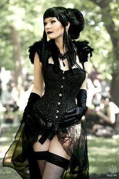 #Goth girl in Bustier
