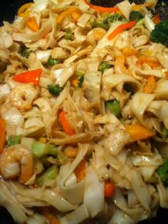 T's Ono Shrimp Chow Fun