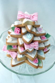 Recipe for Shabby Chic Christmas Cookie Tree !