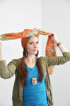 How to tie a head-wrap (aka turbeanie). Video and step-step-by-step instructions. #style #DIY