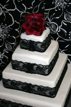 black and white wedding black lace, lace cakes, red flowers, black white, red roses, white weddings, white lace, white cakes, white wedding cakes