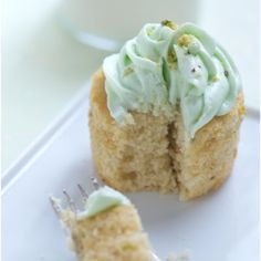 Pistachio and White Chocolate Cupcakes