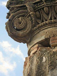 column detail at Pompeii