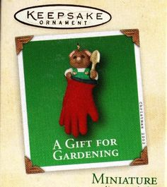 Hallmark 2002 Mini Ornament A GIFT FOR GARDENING - MOUSE in GLOVE $6.95