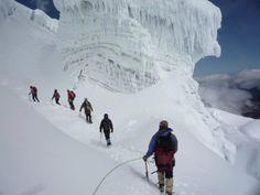 Ascendiendo al Volcán El Cotopaxi...uno de los más altos del mundo...