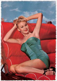 Love the strappy black sandals! #vintage #1940s #1950s #pinup #summer #swimsuit