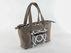 Sew What? by Debbie Shore: Step by steps for my zippered tote bag