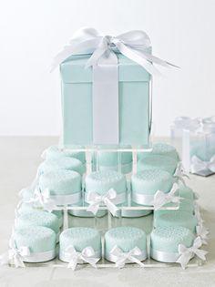mini wedding, tiffany blue, shower cakes, blue cakes, wedding cakes, mint weddings, mini cakes, baby showers, bridal showers