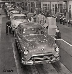 1951 Oldsmobile final assembly.