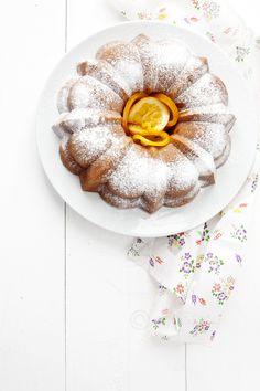 Orange bundt cake via @agoisfoto food & lifestyle blog