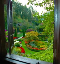 The Butchart Gardens has been named by USA Today as one of the top 20 public gardens in North America – the only one of its kind in Canada!