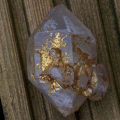 Native Gold on Quartz by Hypocentre, via Flickr #crystals #inspo #privatearts