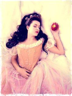 """""""White Snow"""" time, princess, fantasi, inspir, white snow, fairi tale, fairytal, photographi, snow white"""