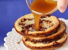 Snickers Caramel Cheesecake Cookies...oh yes.