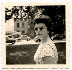 vintage 1950s. great glasses.