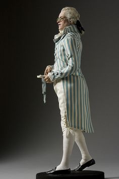 Robespierre Doll    Photo courtesy of the Gallery of Historical figures (http://www.galleryofhistoricalfigures)