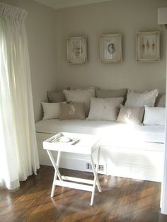 pillow, cottag, living rooms, color, bed, beach houses, reading nooks, guest rooms, beach styles