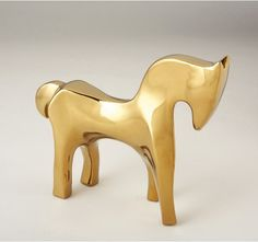 A modern take on the Horse in Gold.