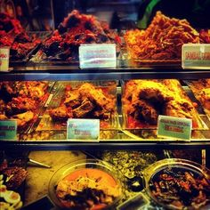 #GeylangSerai Hawker Centre offers a unique concentration of authentic Malay street food. And also some of the best. #SinarPagiNasiPadang