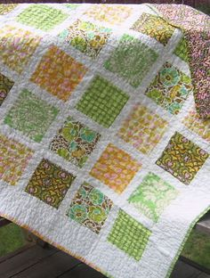 fat quarters quilt - I like the white separating the blocks.