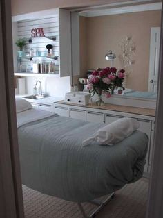 Le 39 Spa On Pinterest Esthetician Room Treatment Rooms