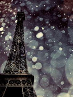 Snowing in Paris, beautiful view