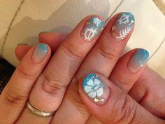 Hawaiian nail art @Lindsay Duff Hoffman