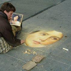 Impressive Chalk Portrait Drawn on the Streets of Paris by Horocue