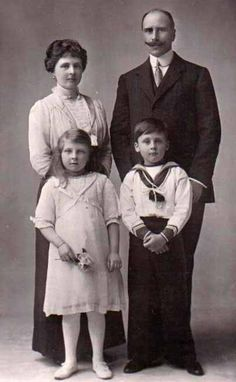 Prince Rupert and big sister Princess May with their parents Prince Alexander and Princess Alice of Teck.