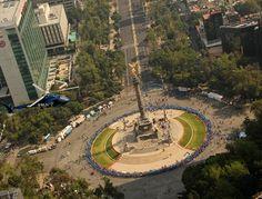 Círculo humano de color azul, Ciudad de México. Noviembre 2012 www.fmdiabetes.org