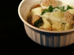 Olive Garden Zuppa Toscana - I am making this for dinner tonight, it is gonna be so so good!