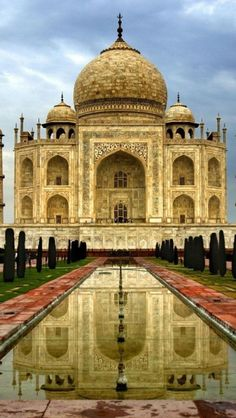Taj Mahal, travel, Agra, India**.