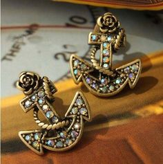 anchor stud earring