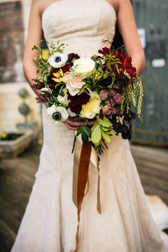 Bold wedding bouquet by Mary Mcleod for Amy Osaba | Kyle Hale