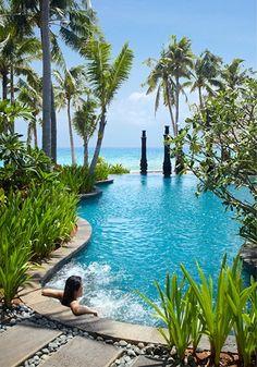 Such a pretty pool setting.
