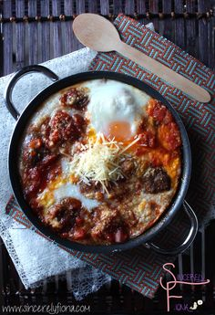 Baked meatballs and egg