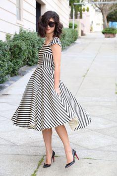 black n white, black and white stripe dress, ladies fashion, blurred lines, the dress, black white, black and white stripes dress, work dresses, pretti stripe