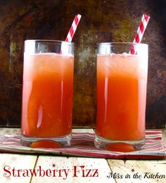 Strawberry Fizz - a fruity summer cocktail perfect for your next barbecue! From Miss in the Kitchen