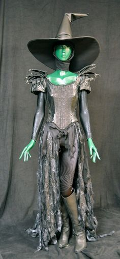 Witch Costume from O