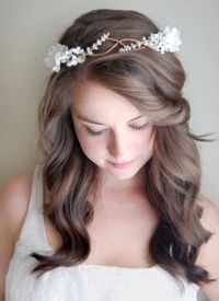 white flowers, headband, bohemian style, floral crowns