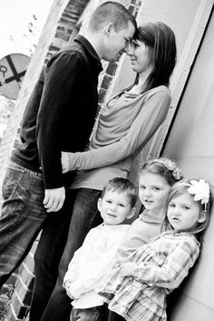 family photography...will have to remember this pose