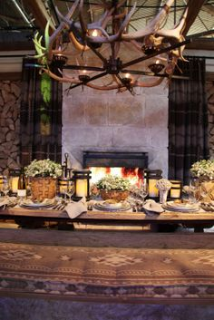 RL table settings, ralph lauren, outdoor patio, cabins, table scapes, baskets, flowers, diffa tabl, design