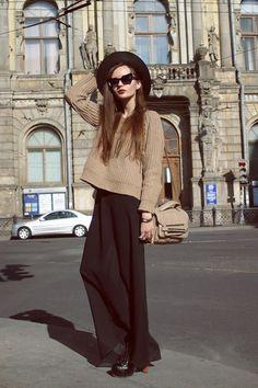 Maxi + Sweater + Hat