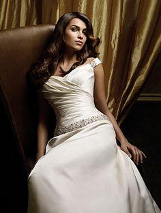 Kaila's Wedding Dress 5