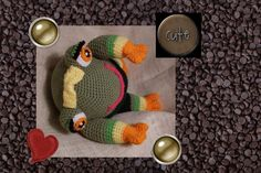Funmigurumi Cutely Frogs: Leafy Sleek    This is the latest in the saga of the frogs from the Chocolate Ponds of Funmigurumiland.  FREE crochet Amigurumi pattern.    #Amigurumi  #Funmigurumi  #free pattern  #frog