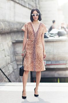 Deer animal print deep-v neck dress. // #StreetStyle