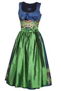 So tremendously lovely! #dirndl #German #Austrian #traditional #folk #costume #dress #tracht