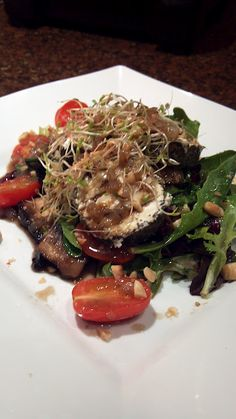 White Kiwi Balsamic on Baby Greens, Goat Cheese & Portabella