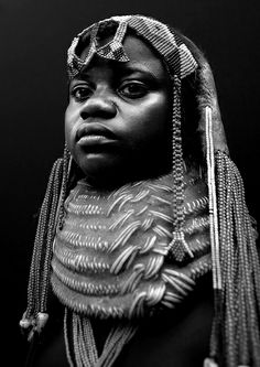 Mumuhuila girl with huge necklace - Angola © Eric Lafforgue www.ericlafforgue.com