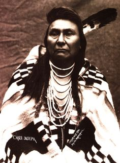 Chief Joseph wears a Pendleton blanket in 1901. He is famous for leading a long-standing resistance to the U.S. government, which had ordered the Nez Perce to move to an Idaho reservation. Photo by Major Lee Morehouse